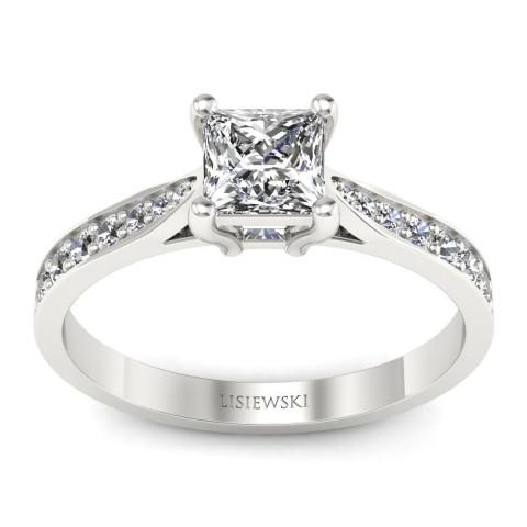 Pierścionek z diamentem princess